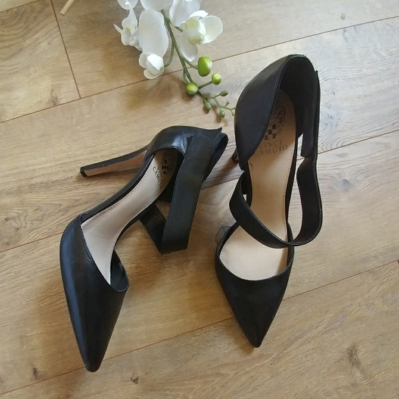 c7d0b7d845a Vince Camuto Carlotte Leather pointy heels👠